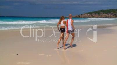 Jogger am Sandstrand