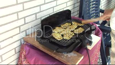 Schnitzel grillen