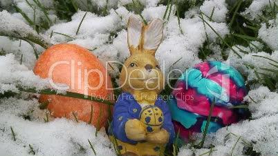 Osterhase im Schnee