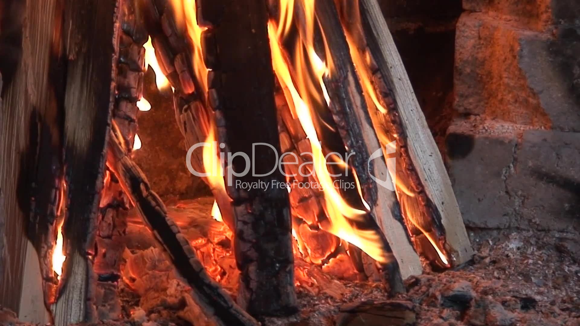 brennendes holz royalty free video and stock footage