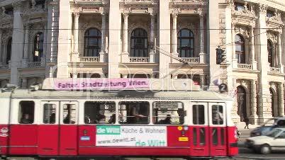 Straßenbahn und Hofburgtheater in Wien