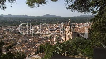 Blick über die Stadt Àrta