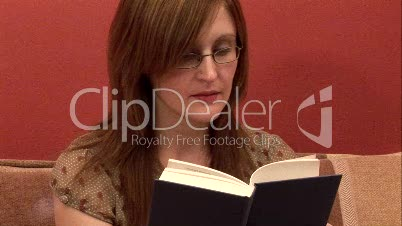 Reading / Woman 2