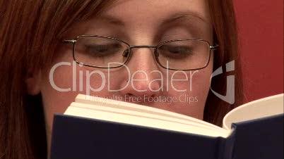Reading / Woman 3