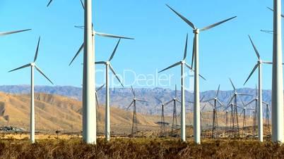 Windräder in der Wüste