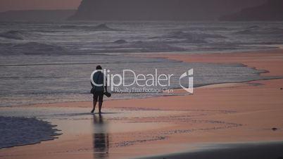 Spaziergänger am Meer