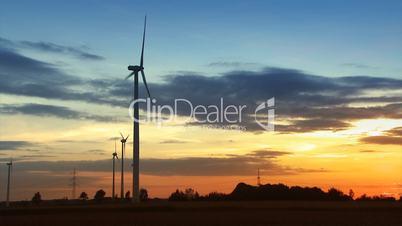 Windpower bei Sonnenuntergang