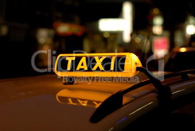 Taxi in der Nacht