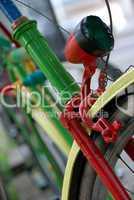 bunt bemaltes Fahrrad