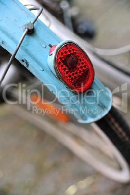Rücklicht eines alten Fahrrads