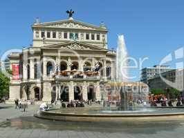 Brunnen an der Alten Oper in Frankfurt