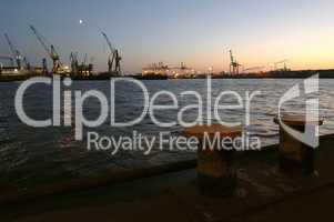 Poller am Hafen