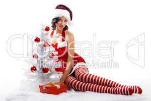 Weihnachtsfrau mit Baum 7
