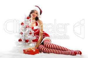 Weihnachtsfrau mit Baum 8