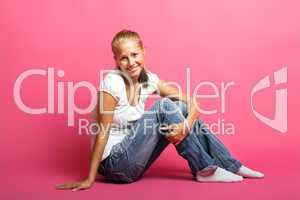 Frau mit rosa Hintergrund 3