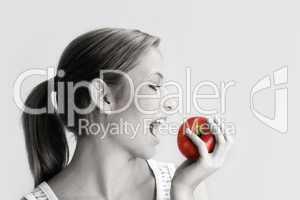 Frau mit Apfel 4