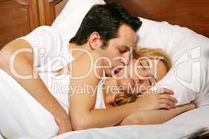 Paar im Bett 6