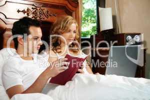 Paar im Schlafzimmer 3