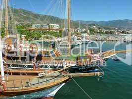 Schiffe im Hafen von Alanya