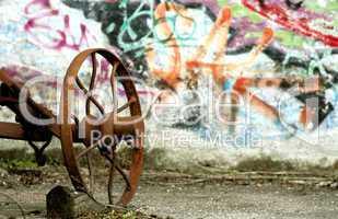 graffiti with rusty tool / Graffiti und Maschine