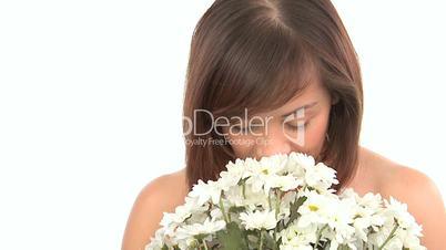 Eine Frau mit Blumenstrauss