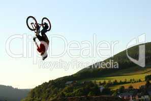 Backflip bei Dirt Jump Contest