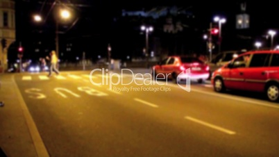 Straßenverkehr in der Nacht