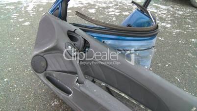 auto accident car door off