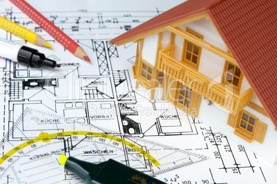 Hausmodell auf Grundrisszeichnung