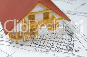 Hausmodell auf Grunstückslageplan