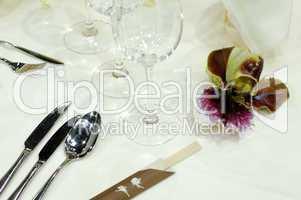 Eingedeckte Festtafel