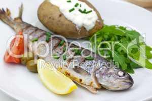 Forelle mit Kartoffel,Rucola