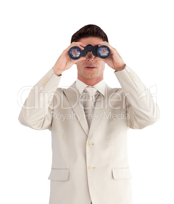 Man looking straight ahead through a binnoculars
