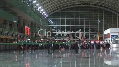 Airport check in queue