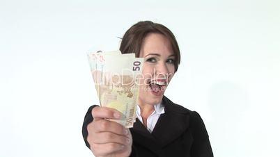 HD1080i Junge Geschäftsfrau mit Geldscheinen lächelt in die Kamera