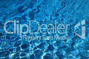 Wasseroberfläche im Schwimmbad .. Water surface in a pool