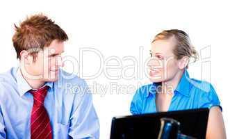 Mann und Frau mit Notebook