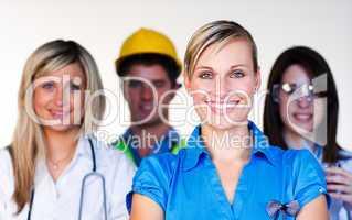 Menschen  aus verschiedenen Arbeitsbereichen