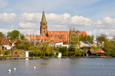 Stadt am Fluss, town on river