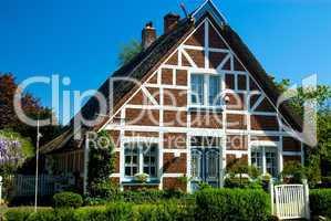 Giebel eines alten Fachwerkhauses -.Gable of a thatched german cottage