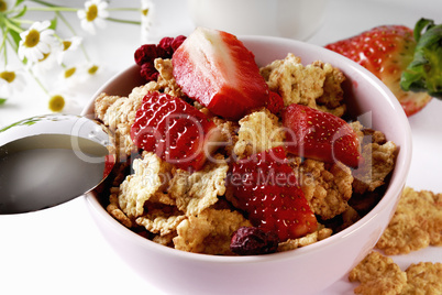 Flakes und Erdbeeren