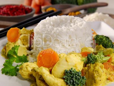 Hähnchencurry mit Gemüse und Reis