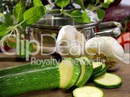 Zucchini und Knoblauch