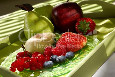 Obst auf einem Tablett