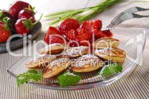 Blinis mit Erdbeeren
