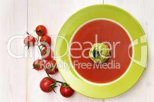 Tomatensuppe mit Brokolieeinlage