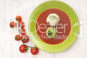 Tomatensuppe mit Reis und Brokolie