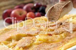 Apfelpfannkuchen mit Zimt