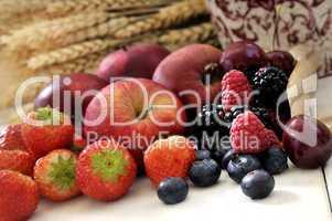 Äpfel und Beeren