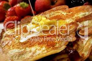 Pfannkuchen mit Sirup